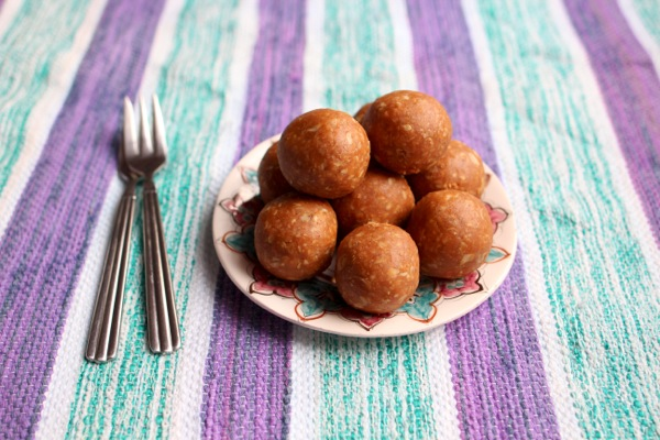 Quick and easy peanut butter bliss balls
