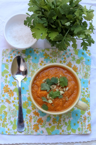 Vegan pumpkin soup with lentils and white beans