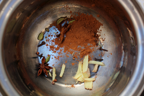 Seven spices ready to be made into delicious vegan chai.