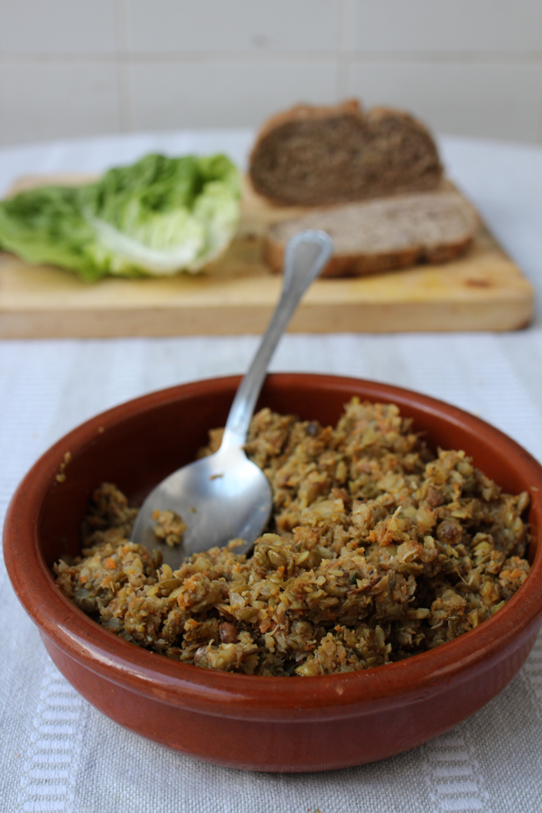 Sprouted lentils pureed into a protein-rich vegan spread